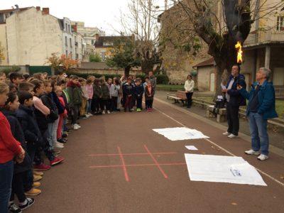 La flamme de la paix à l'école Jeanne d'Arc – Vichy